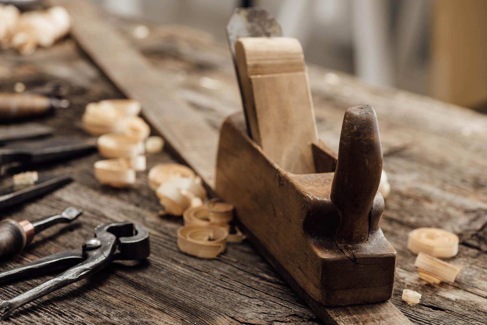 Hobel zur Bearbeitung von Holz