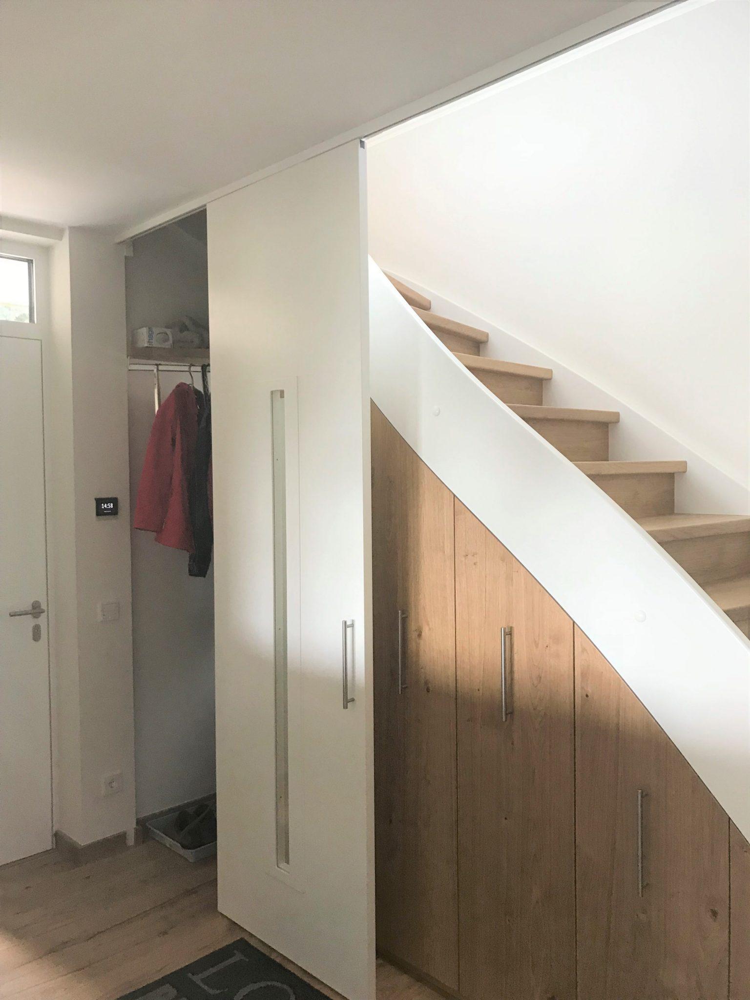 Einbauschrank und Treppe in Koblenz vom Schreiner gearbeitet